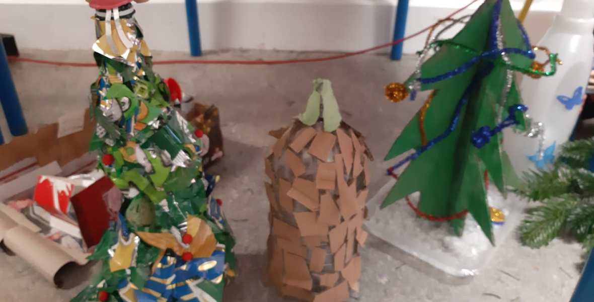 Christmas Tree Decoration Competition